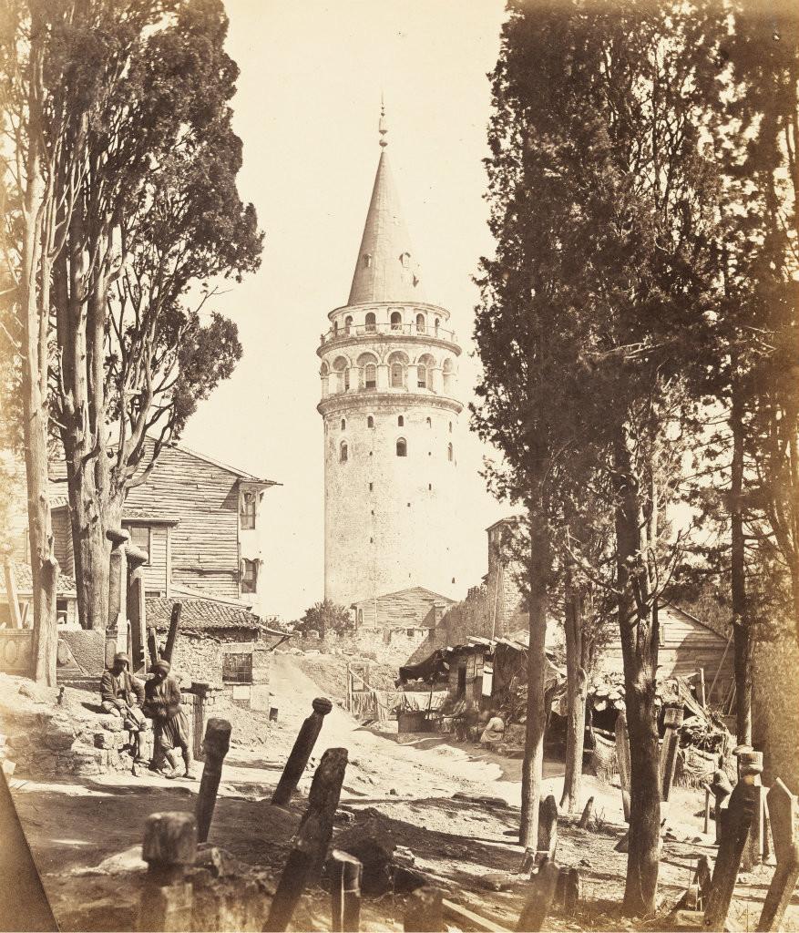 istanbulun kulahli agabeyi galata kulesi 2