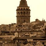 İstanbul'un Külahlı Ağabeyi: Galata Kulesi