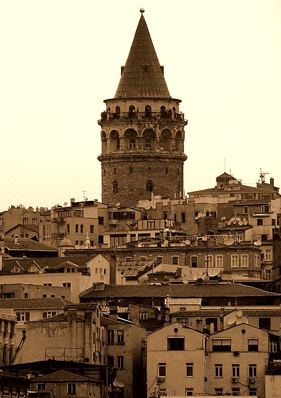 istanbulun kulahli agabeyi galata kulesi